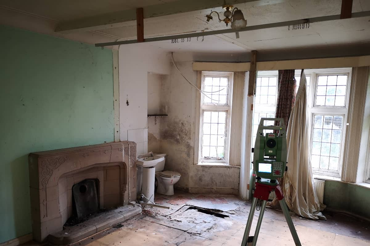 Surveying inside a house with a total station